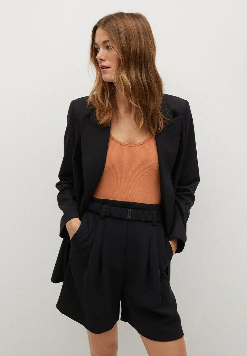 Mango - NUEL - Shorts - zwart