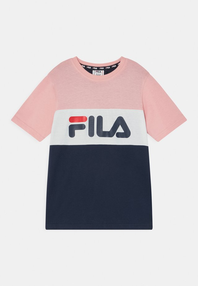 MARINA BLOCKED UNISEX - T-shirt imprimé - black iris/coral blush/bright white