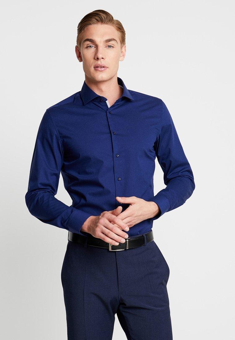 Herrer SPREAD KENT PATCH SLIM FIT - Business skjorter