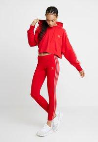 adidas Originals - ADICOLOR 3 STRIPES TIGHTS - Legíny - scarlet - 1