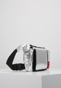 HUGO - KOMBINAT BUMBAG - Bum bag - silver - 3
