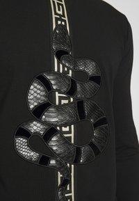 Glorious Gangsta - DEVANEYLONGSLEEVE TEE - T-shirts basic - black - 5