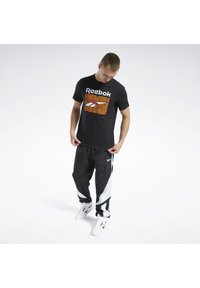 Reebok Classic - CLASSICS B-BALL COURT T-SHIRT - Print T-shirt - black - 1