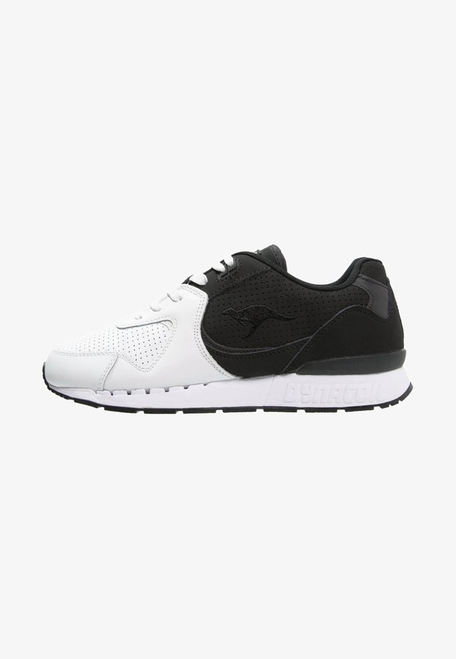 COIL-R2  - Trainers - black/white