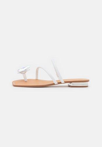 GARBERIA - Sandály s odděleným palcem - metallic multicolor