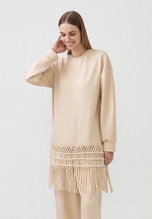 MACROME - Long sleeved top - beige