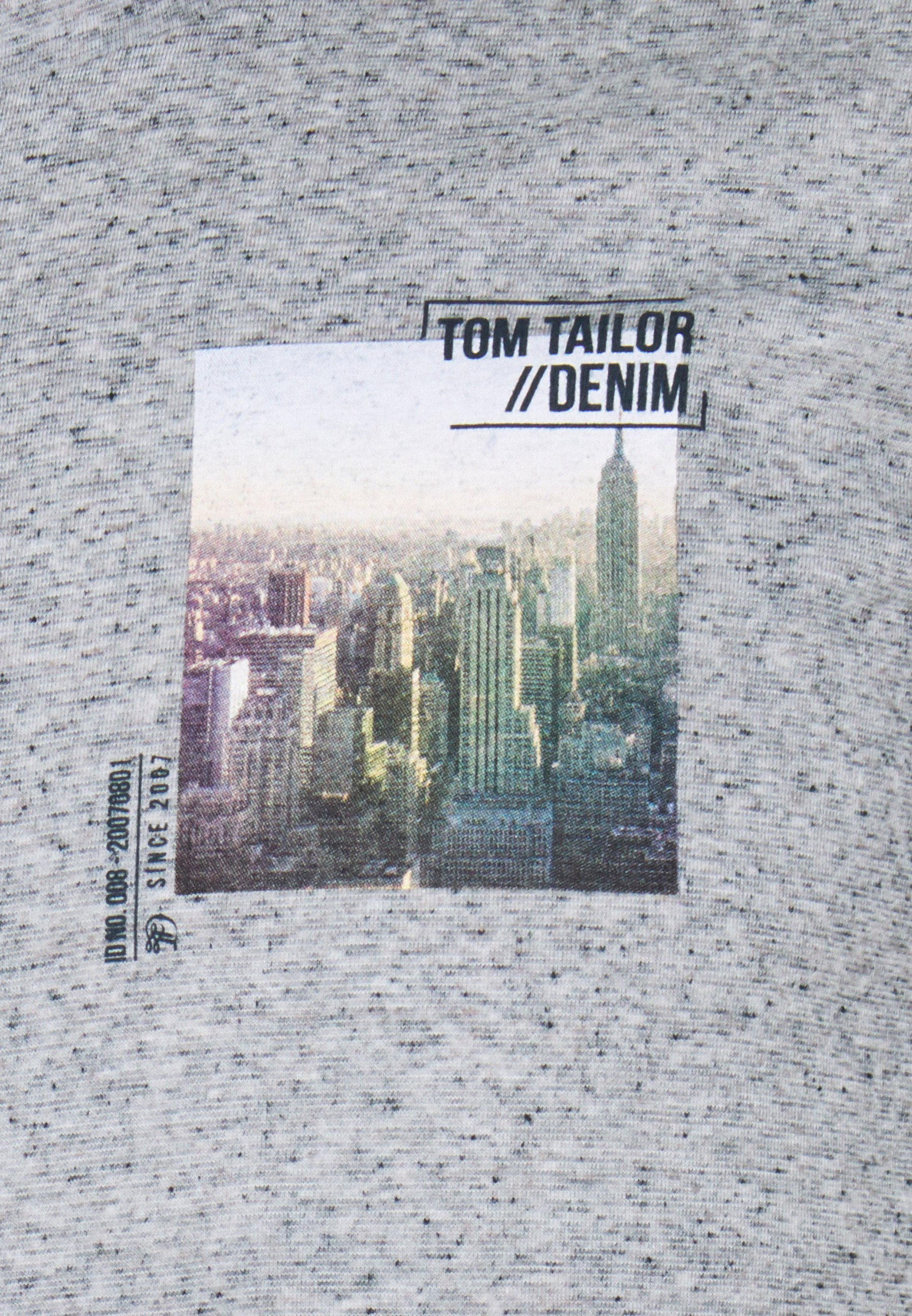 TOM TAILOR DENIM FOTOPRINT - Print T-shirt - white melange HYSDP