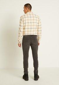 Only & Sons - ONSWARP - Jeans Skinny Fit - grey denim - 2