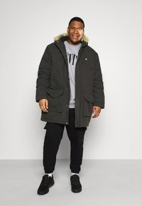 Lyle & Scott - PLUS WINTER WEIGHT LINED - Parka - jet black - 1