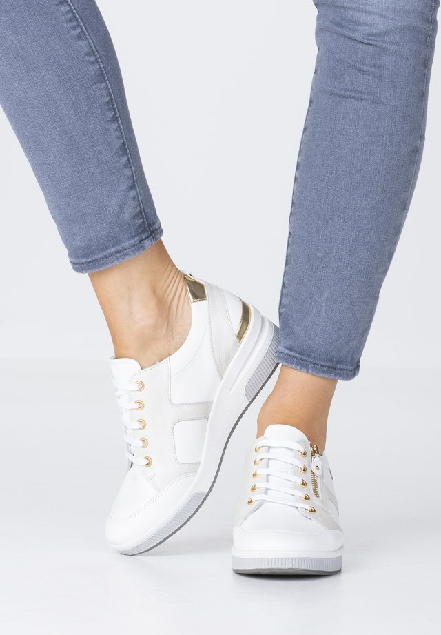 TRUDIE - Trainers - white