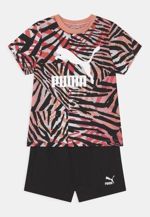 MINICATS CLASSICS SET UNISEX - Print T-shirt - apricot blush/neon safari