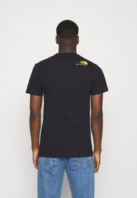 The North Face - BASE FALL GRAPHIC TEE - Print T-shirt - black - 2