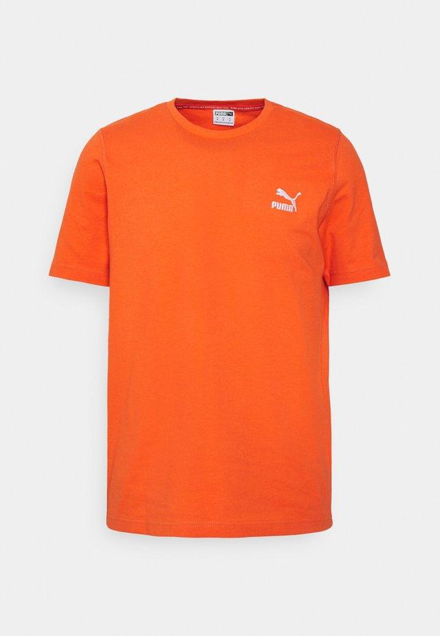 CLASSICS EMBRO TEE - T-shirt imprimé - tigerlily