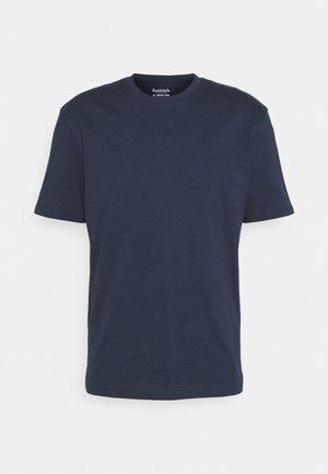 JJERELAXED TEE O-NECK - T-shirts basic - navy blazer