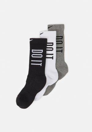 EVERYDAY PLUS CUSH CREW 3 PACK UNISEX - Sports socks - white/carbon heather/black