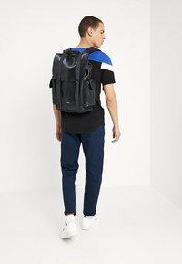 Spiral Bags - TRANSPORTER - Plecak - perforated black - 1