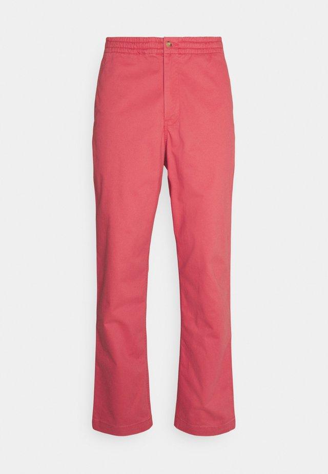 FLAT PANT - Chinos - spring red