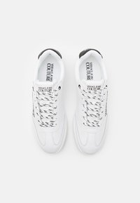 Versace Jeans Couture - Trainers - white - 3