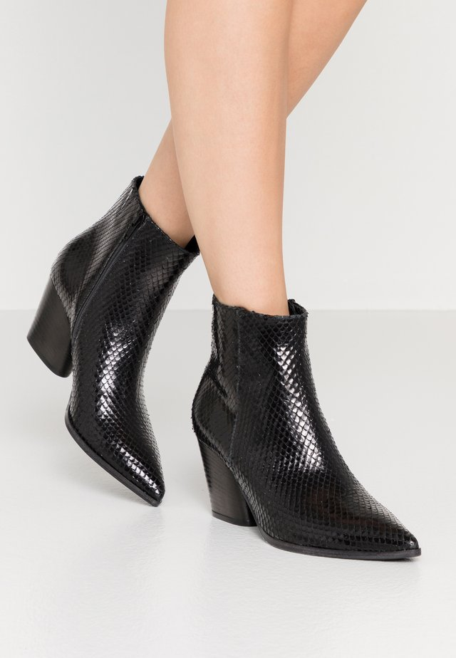 AMBER - Bottines - black