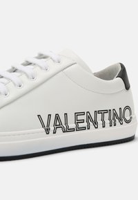 Valentino by Mario Valentino - Zapatillas - white/black