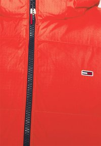 Tommy Jeans - TJM ESSENTIAL DOWN VEST - Bodywarmer - deep crimson - 3