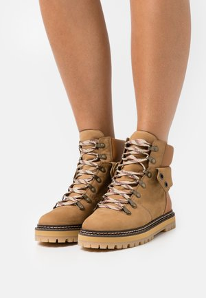 EILEEN - Lace-up ankle boots - tan