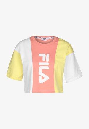T-SHIRT BAI CROPPED - Print T-shirt - limeli/briwhi/lobster bisque