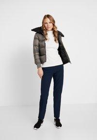 Cross Sportswear - A-SHAPE JACKET - Kurtka puchowa - steel grey - 1