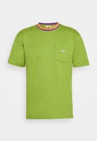 Obey Clothing - PLONA POCKET TEE - Printtipaita - apple buzz - 4
