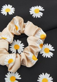 Pieces - PCJACOBINA SCRUNCHIE 2 PACK - Hair styling accessory - black/sand - 2
