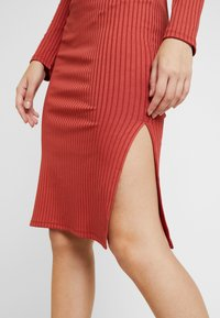 Gina Tricot - SASSI DRESS - Shift dress - rust - 6