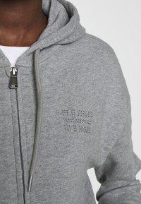 Napapijri - BICCARI - Mikina na zip - med grey mel - 5