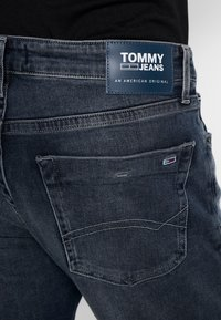 Tommy Jeans - SCANTON - Slim fit -farkut - durban dark - 4