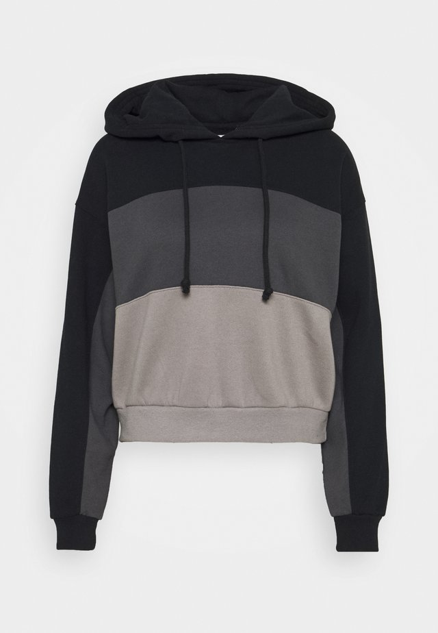 LAYER CHASE - Hoodie - black