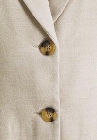 Vero Moda - VMCALACINDY - Classic coat - birch/melange - 2
