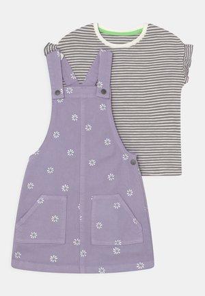 DAISY PINNY SET - Print T-shirt - lilac