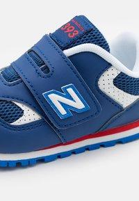 New Balance - IV393BNV - Trainers - blue - 5