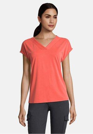 MIT V-AUSSCHNITT - Basic T-shirt - hot coral