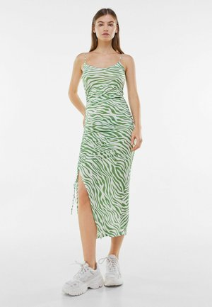 WITH GATHERED DETAILING  - Shift dress - green