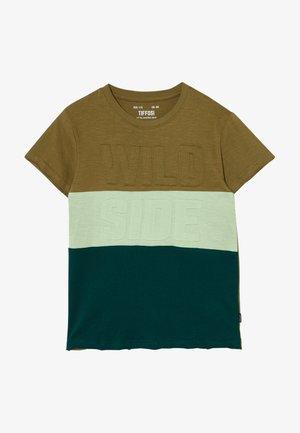 FABIANO - Print T-shirt - green