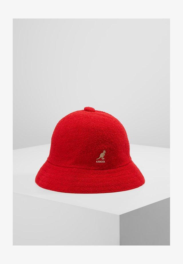 BERMUDA CASUAL - Chapeau - scarlet