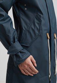Derbe - TRAVEL COZY FRIESE - Waterproof jacket - navy - 5
