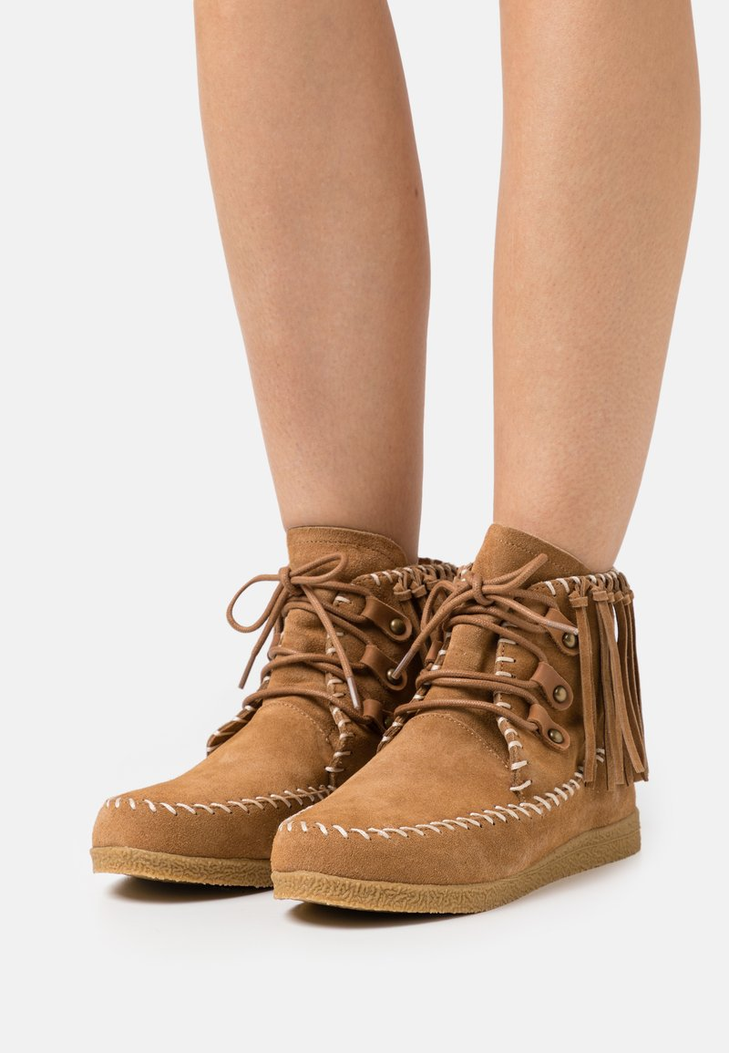 Colors of California - LOW BOOT WITH LACES - Lace-up ankle boots - tan