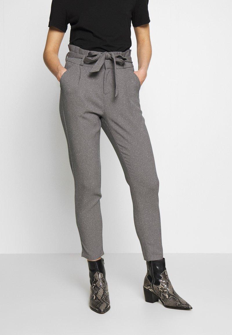 Vero Moda - VMEVA LOOSE PAPERBAG  - Pantalon classique - mottled grey