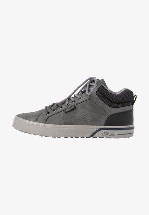 Tenisky - grey