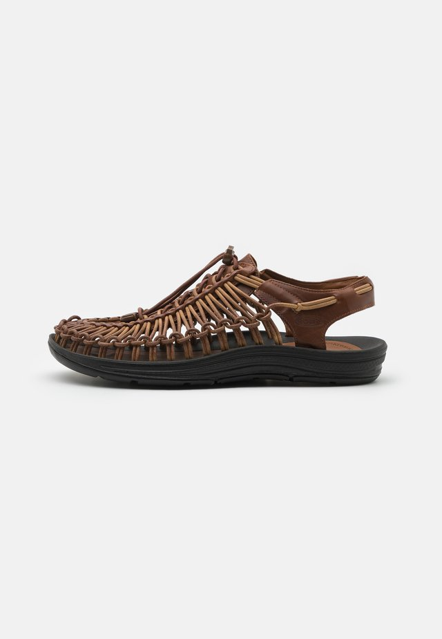 UNEEK PREMIUM  - Sandali - brown