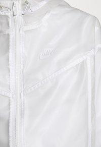 Nike Sportswear - TRANSPARENT - Bomberjacks - white - 5