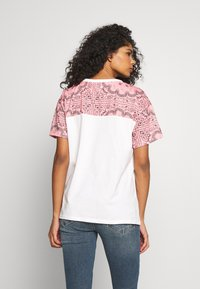 River Island - T-shirt z nadrukiem - white - 2