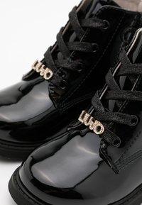 LIU JO - PAT - Šněrovací kotníkové boty - black - 5