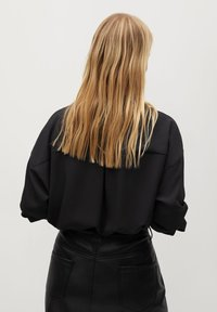 Violeta by Mango - EVERY - Button-down blouse - schwarz - 2